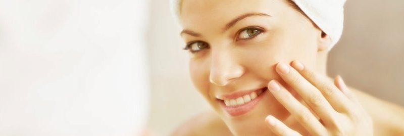 8 maneiras comprovadas de manter sua pele saudável e bonita