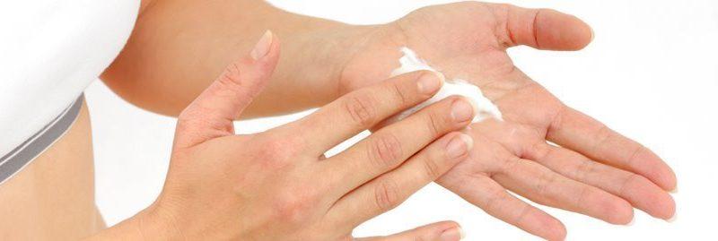 Hiperidrose: 10 remédios caseiros para tratar suor nas mãos e pés