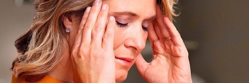 10 sinais e sintomas de desequilíbrio hormonal em mulheres