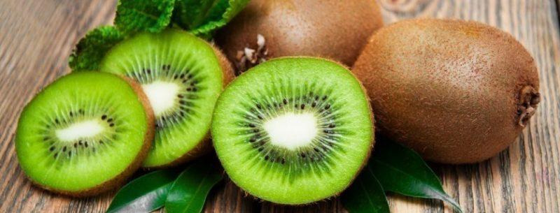 Conheça as incríveis propriedades e benefícios do kiwi para a saúde