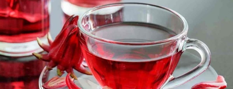 Conheça 8 benefícios do chá de hibisco e como usá-lo para emagrecer